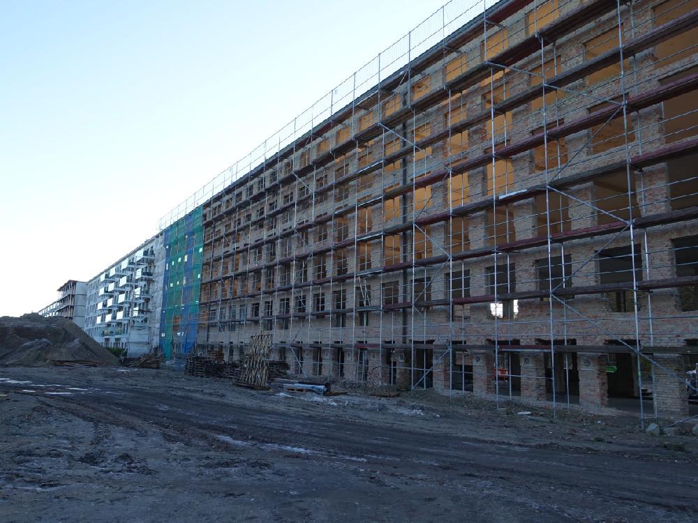 Bauarbeiten auf der Baustelle von Prora