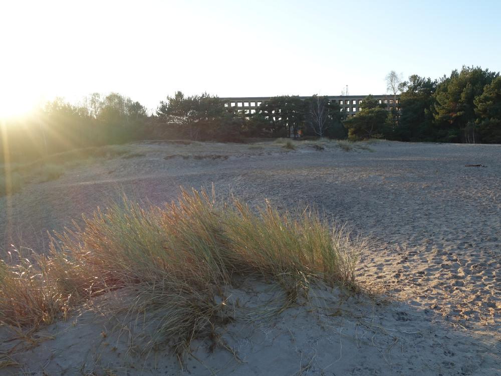 die Ruine von Prora am Strand