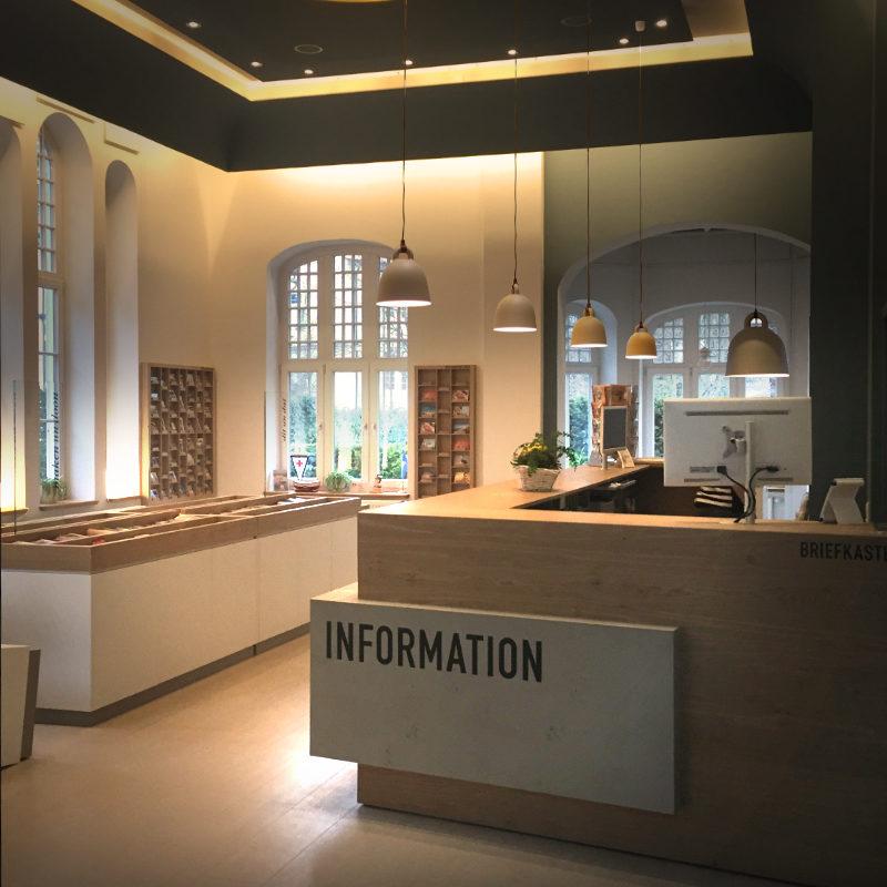 Einrichtung und Möbeldesign für die Touristeninformation auf Rügen