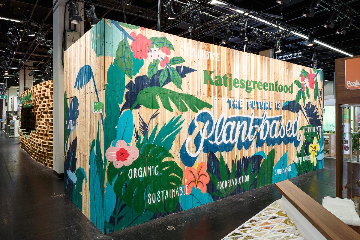 nachhaltiges Messestand-Design mit Grafitti